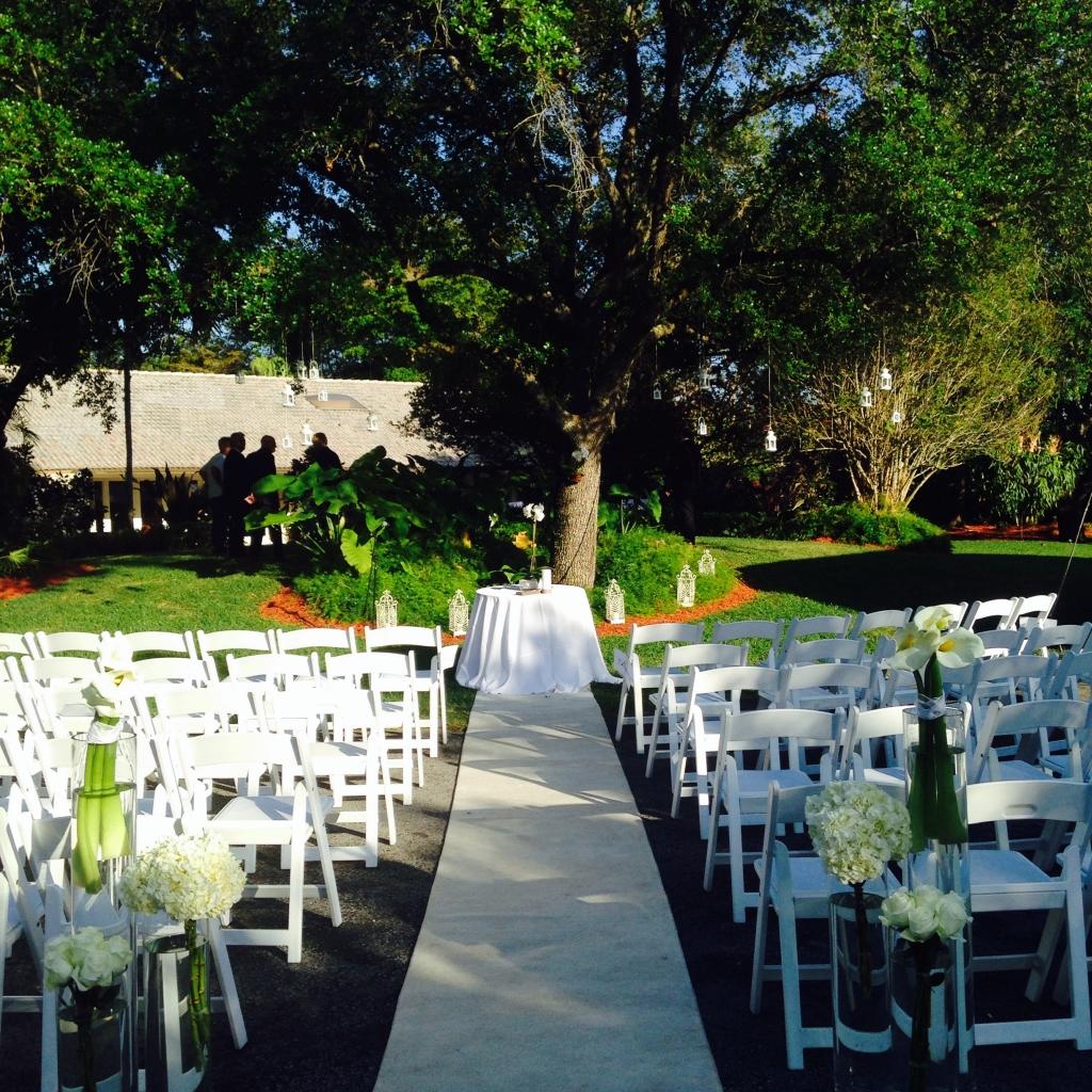 white-outdoor-wedding-2